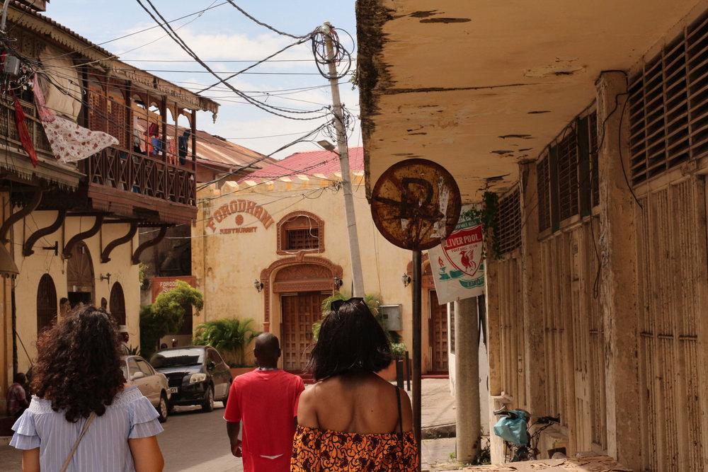 Entering Old Town.. | Entrer Old Town