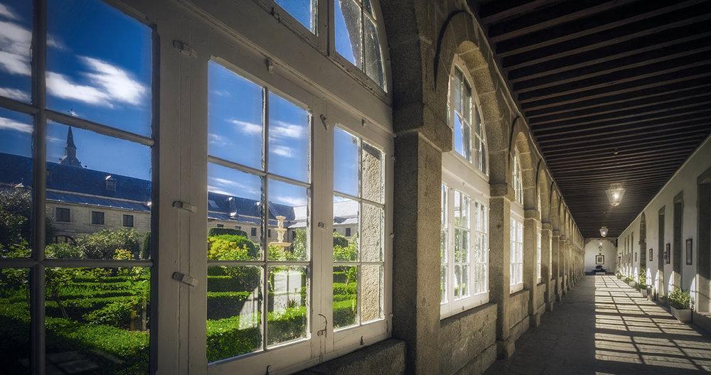 A partir de 2018, nuestro nuevo campus estará en el magnífico edificio histórico del Real Centro Universitario María Cristina de San Lorenzo de El Escorial.