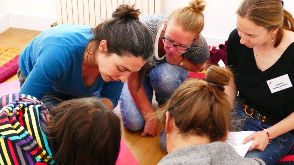 Varias técnicas de inserción se enseñan en el curso de Práctica Mixta de Acupuntura.