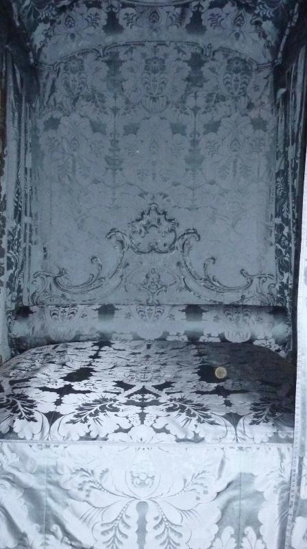J10.034 Dumfries House bed complete (2).JPG