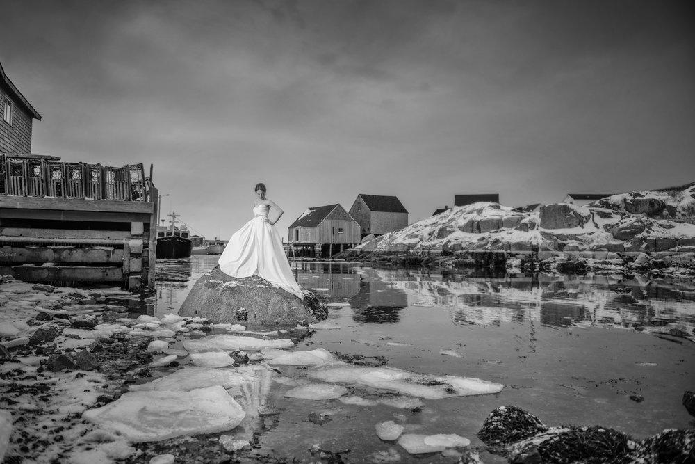 brave-bride-peggys-cove-winter.JPG