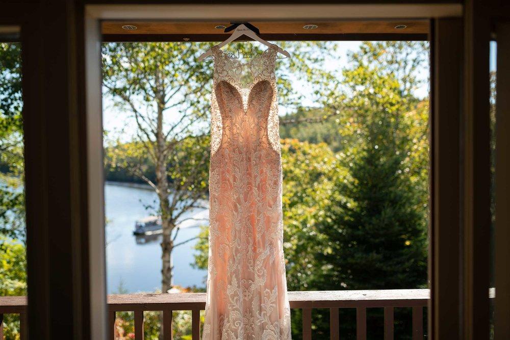liscombe-lodge-wedding-dress.jpg