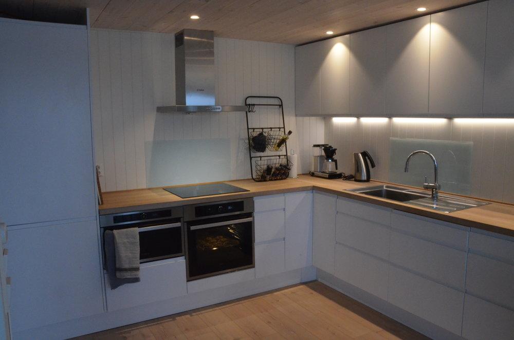Moderne kjøkken med alle fasiliteter.