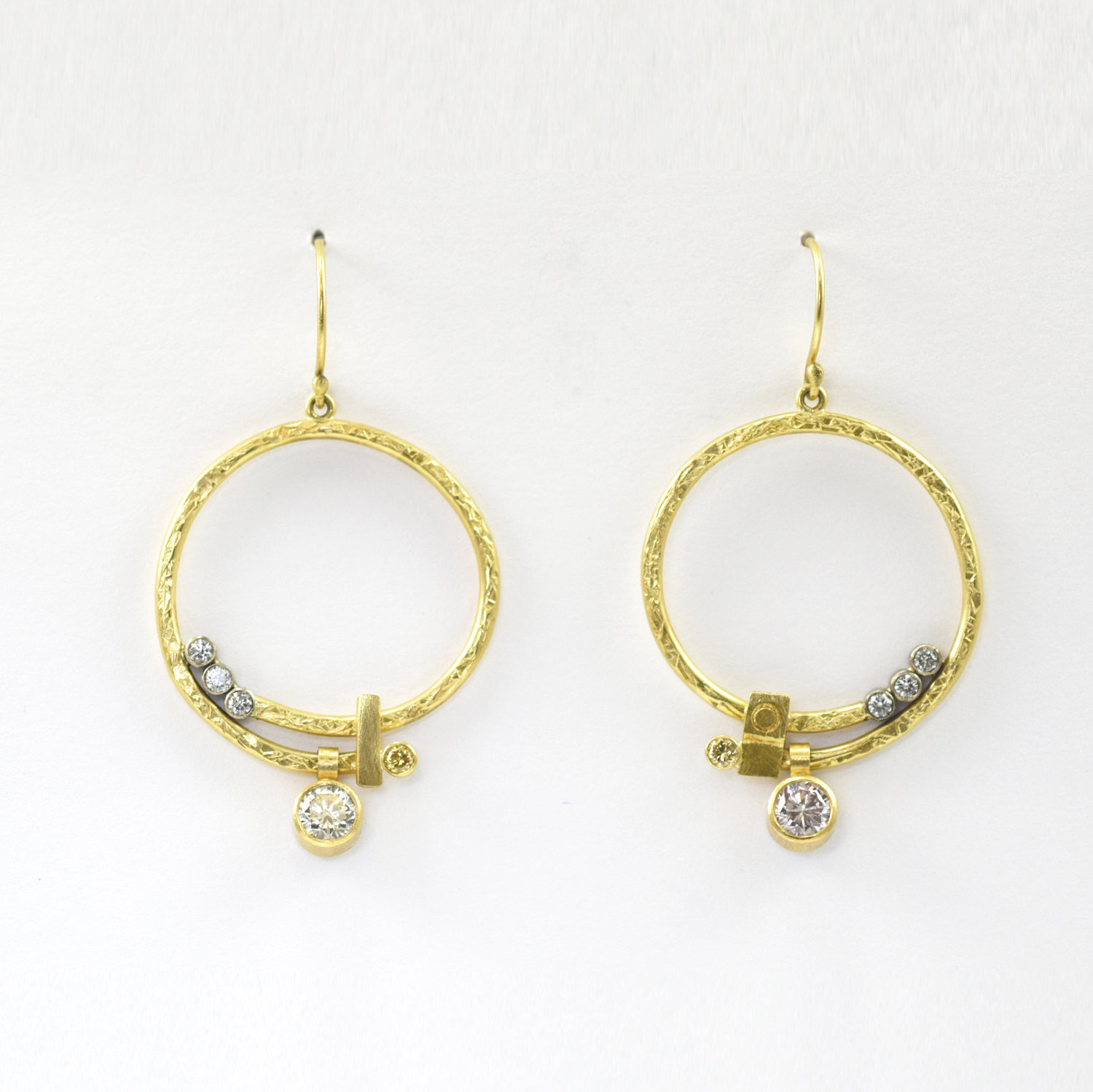 Roger Rimel 18K Yellow Gold Earrings with White and Yellow Diamonds ... 64dca26ac782
