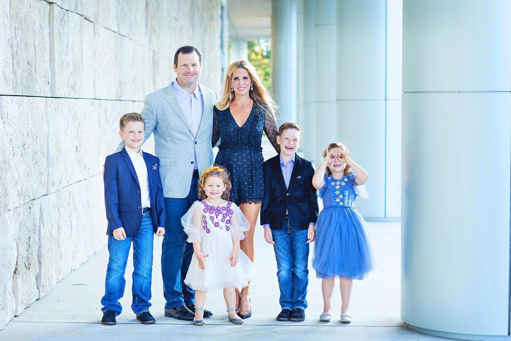 Funny portrait of beautiful family in The Woodlands, Texas by spryART photography.