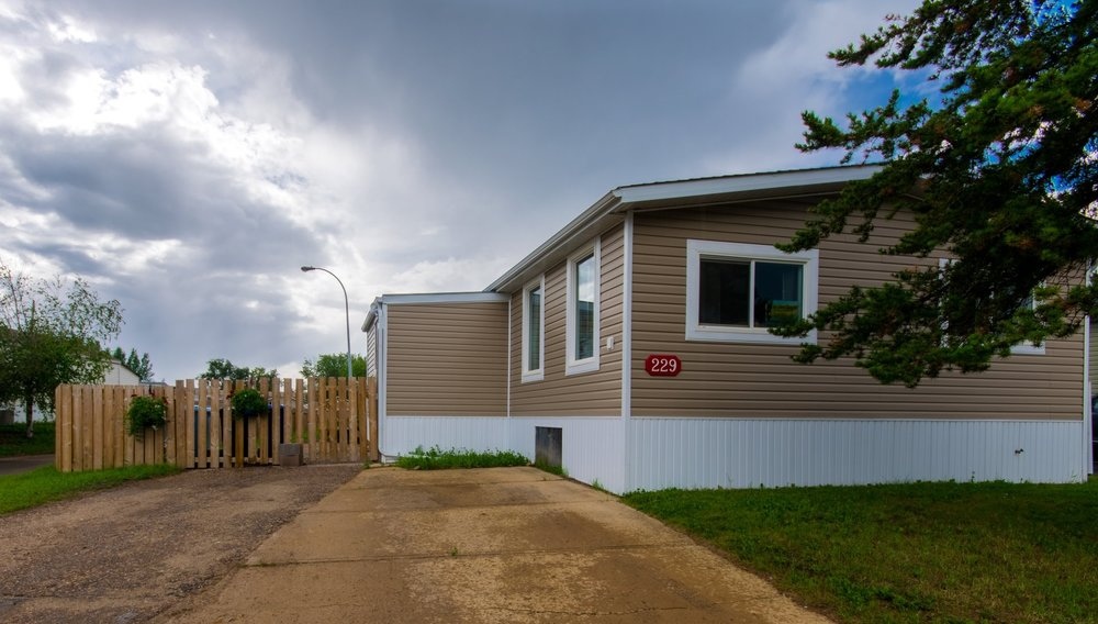 229 gregoire cres - Updated Modular Home, No Land | Gregoire ParkSOLD - $15,000.00