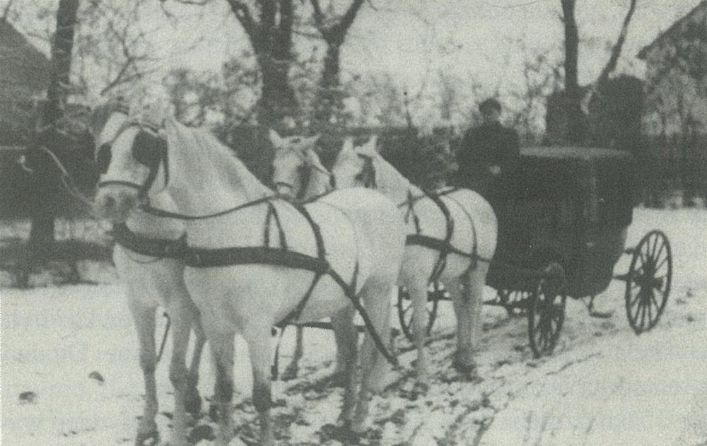 1941 - W Dworze powstaje legenda o powrocie Generała Andersa na białym koniu
