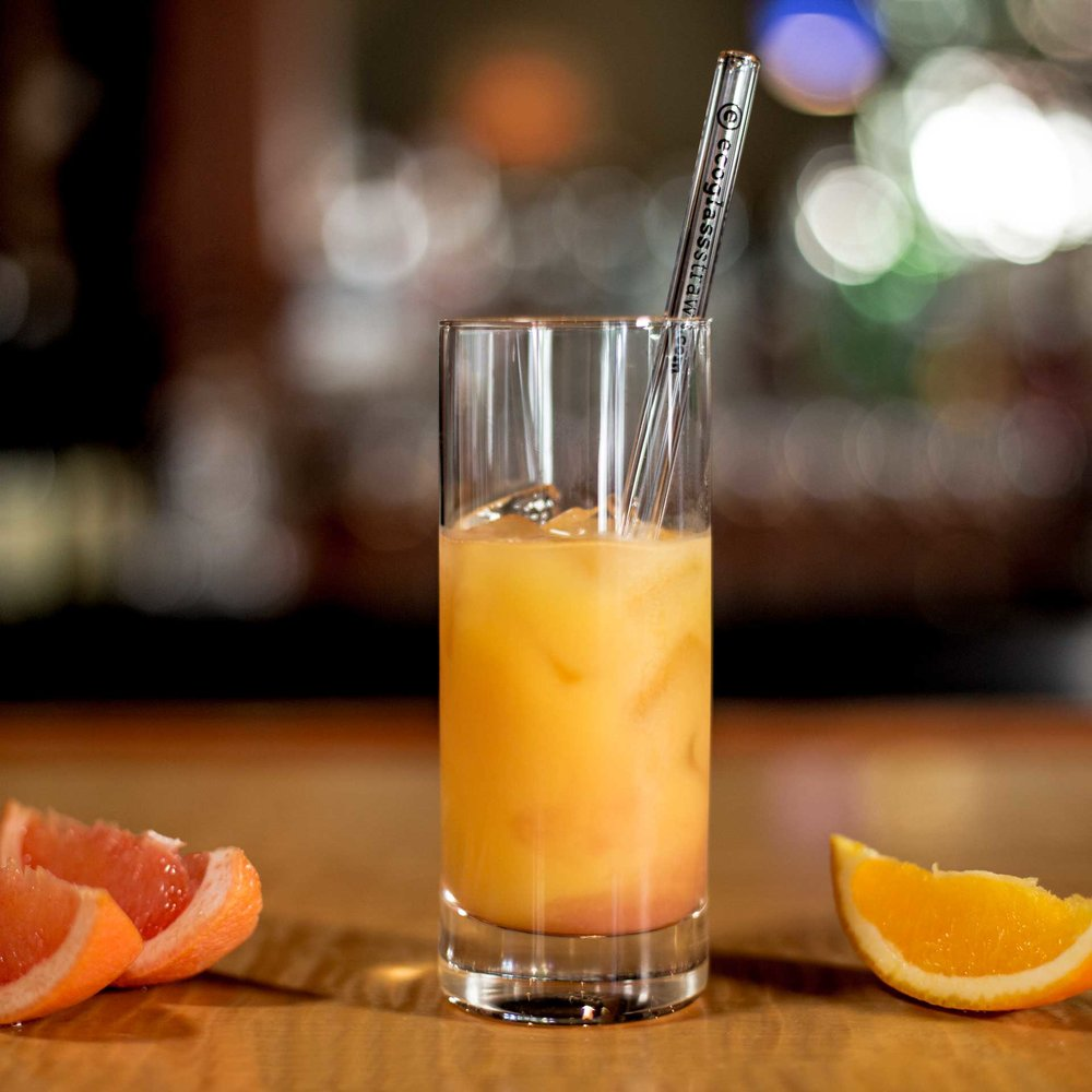 EcoGlassStraw_doubleline_Clear_Glass_straw_gold_inorangejuice_tallglass_clear_Square.jpg