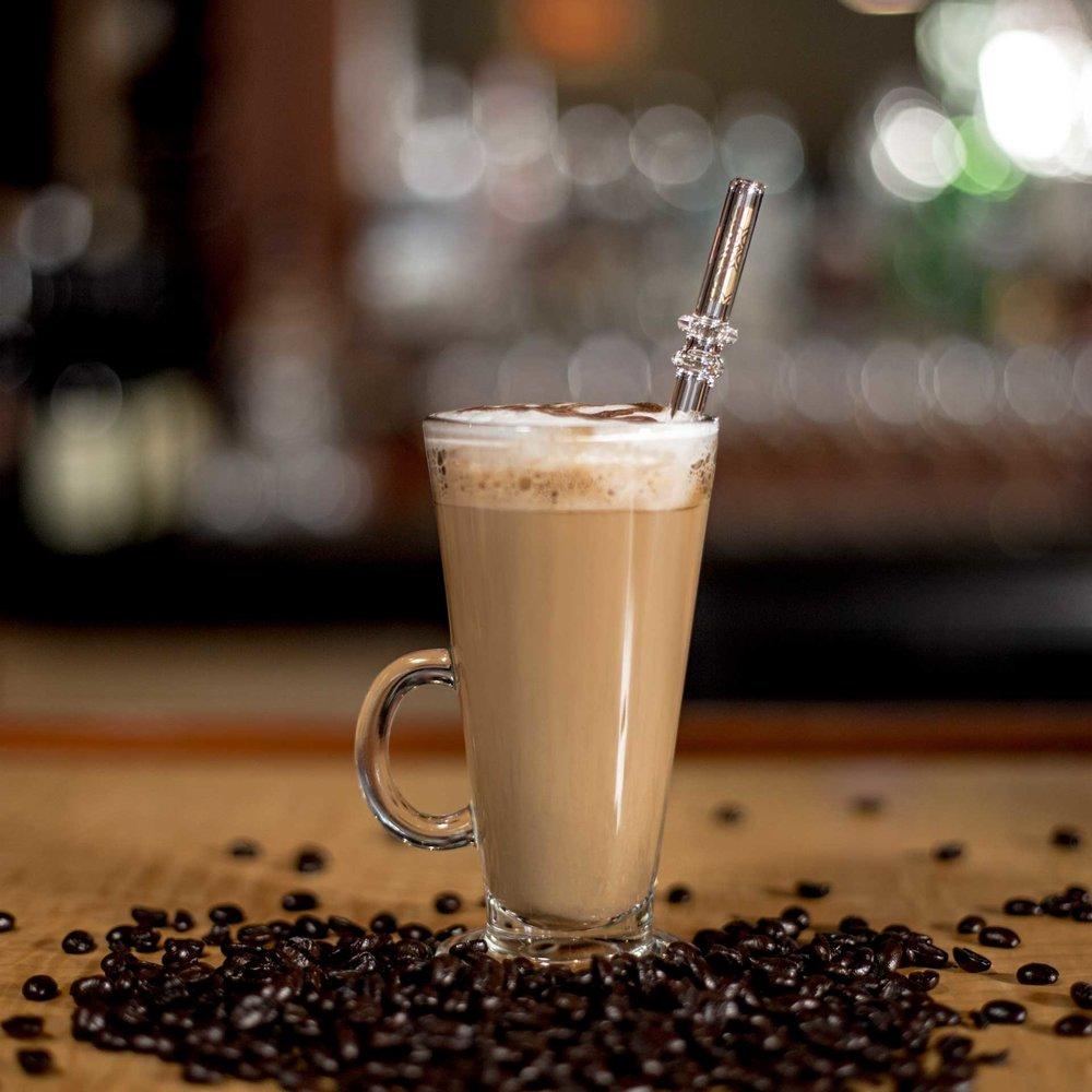EcoGlassStraw_doubleline_Clear_Glass_straw_gold_pattern_Coffee_Square.jpg