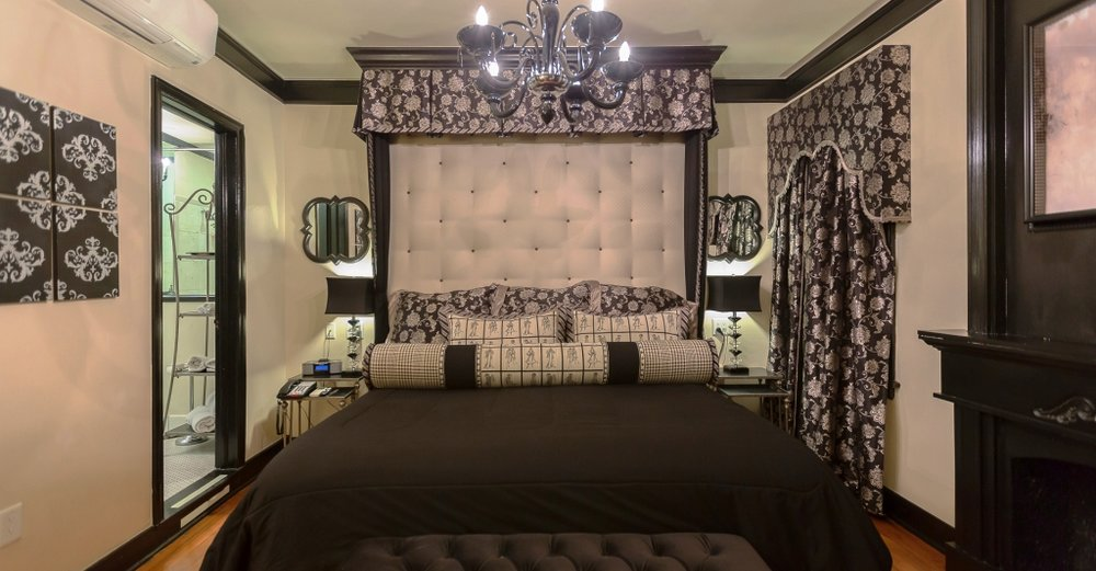 Campbell Contour Room - If you are into couture, you will love this room! If you want dramatic, this is it.