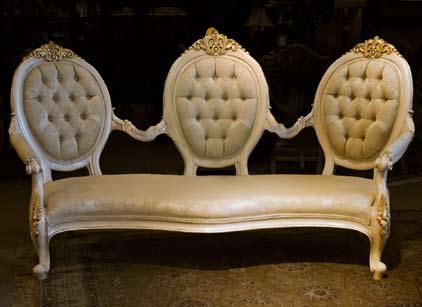 CH20603 - Custom Design Victorian Style Sofa
