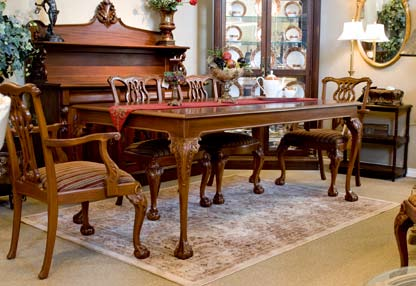 TA2218 - Chippendale Style Solid Wood Dining Table With Two Leaves