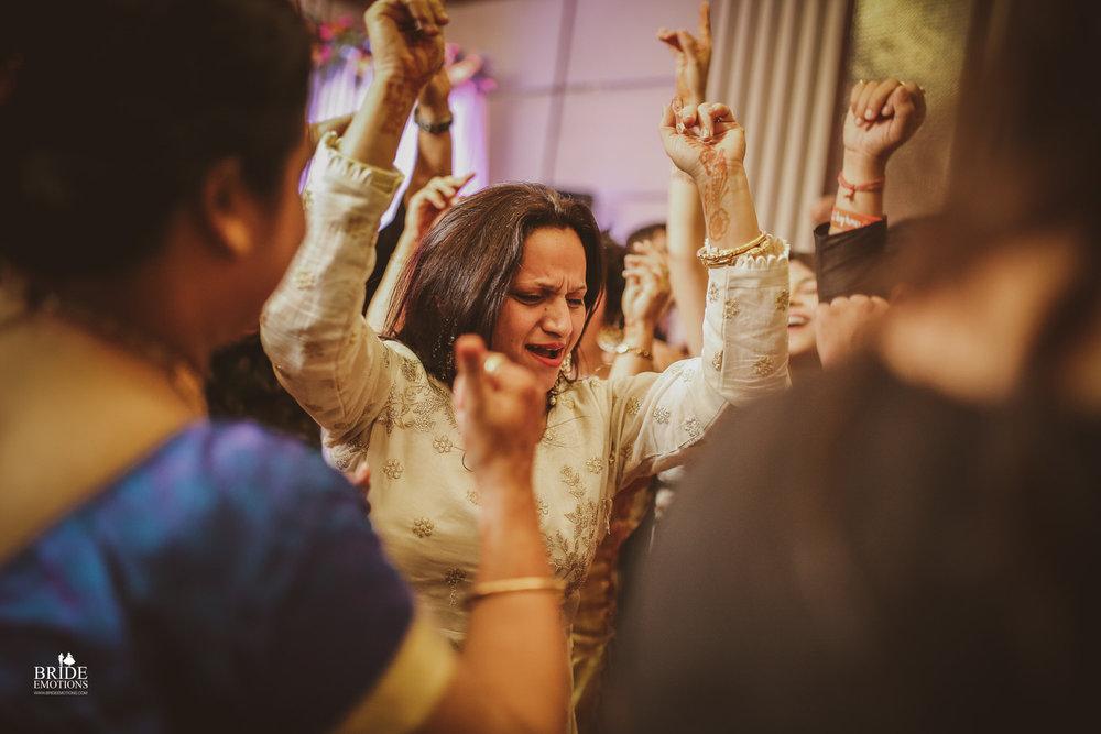Best Wedding Photographer Vadodara_024.jpg