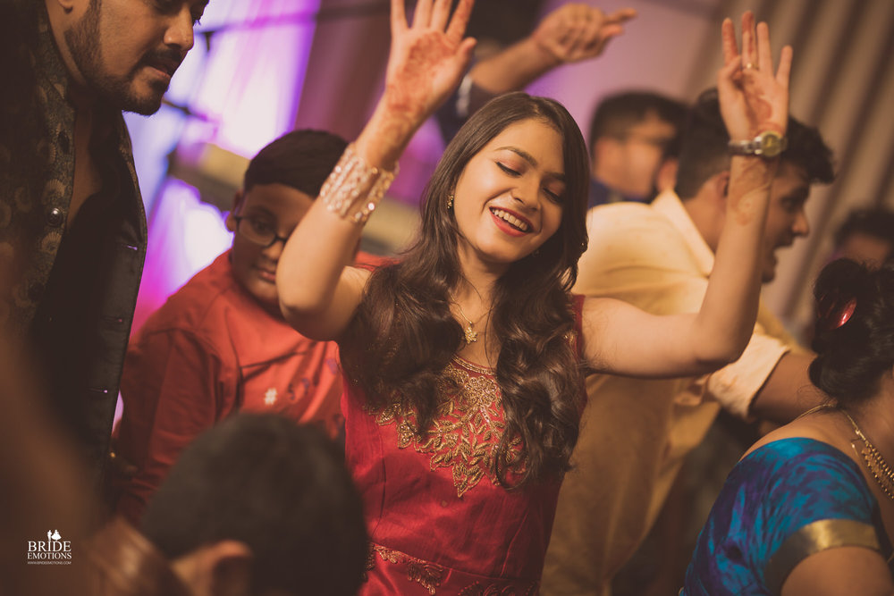 Best Wedding Photographer Vadodara_028.jpg
