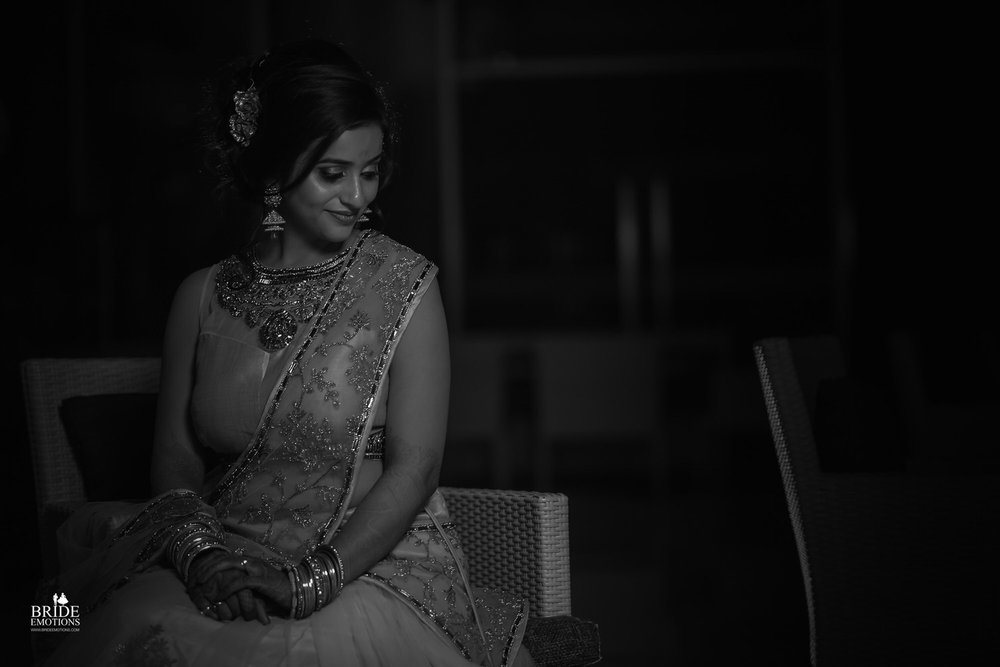 Best Wedding Photographer Vadodara_034.jpg