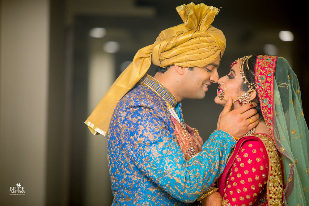 Best Wedding Photographer Vadodara_065.jpg