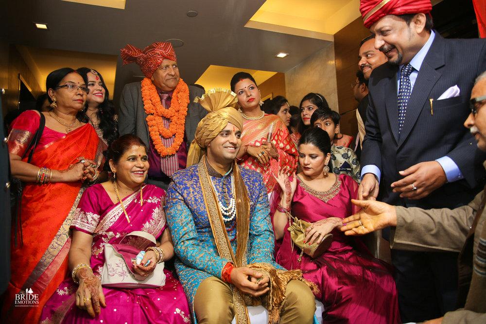 Best Wedding Photographer Vadodara_072.jpg