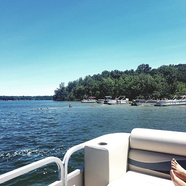 Took a break from production for a boat ride.  #TheVault #audio #breaktime #lakelife #coldwater #boat