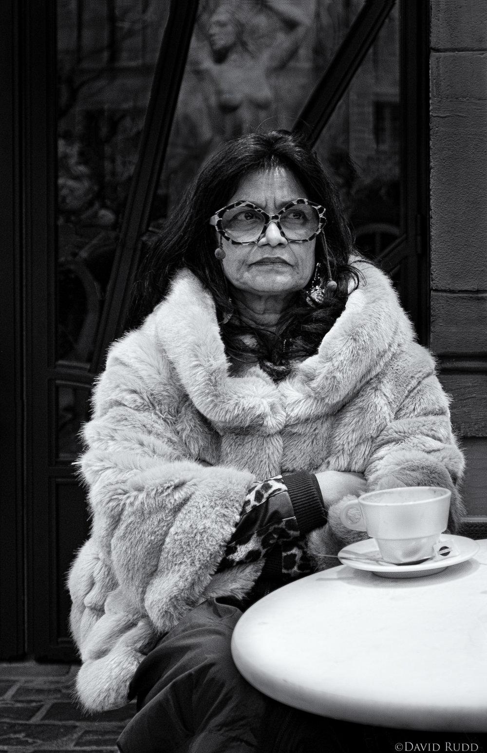woman montmartre_B&W.jpg