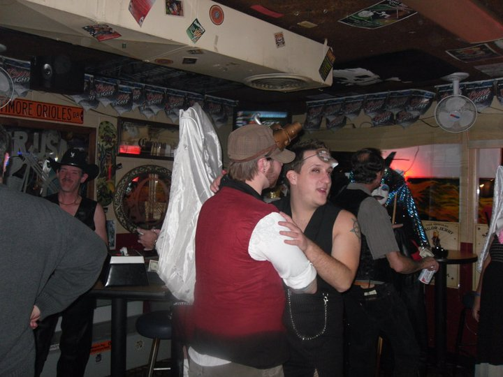 Reno's Biggest Little Sisters - Before the Covenant - Aspirant Ivy Injection and Guard Lee'thul Injection having their first dance and their second manifestation - Fall 2009 - at RBLS's Exequator