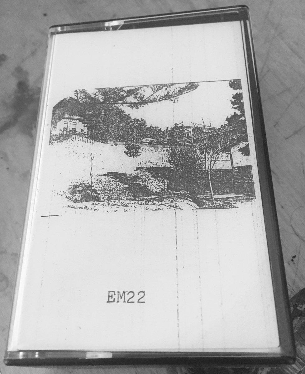 EM22 - Point & Media (2xc30)