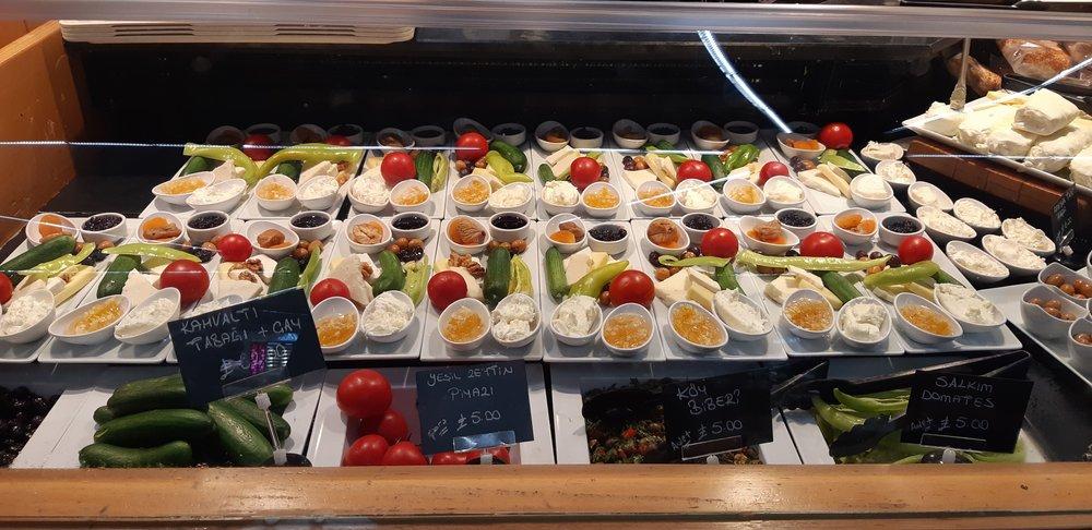 airport food.jpg