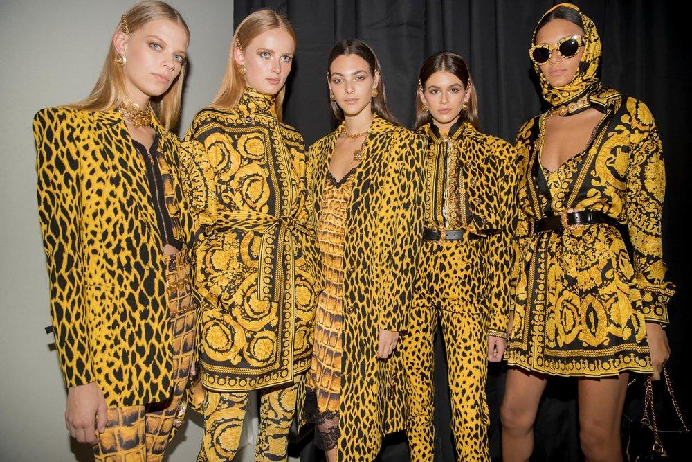Versace-women-ss18-post-show-bts-08-e1524981824122.jpg