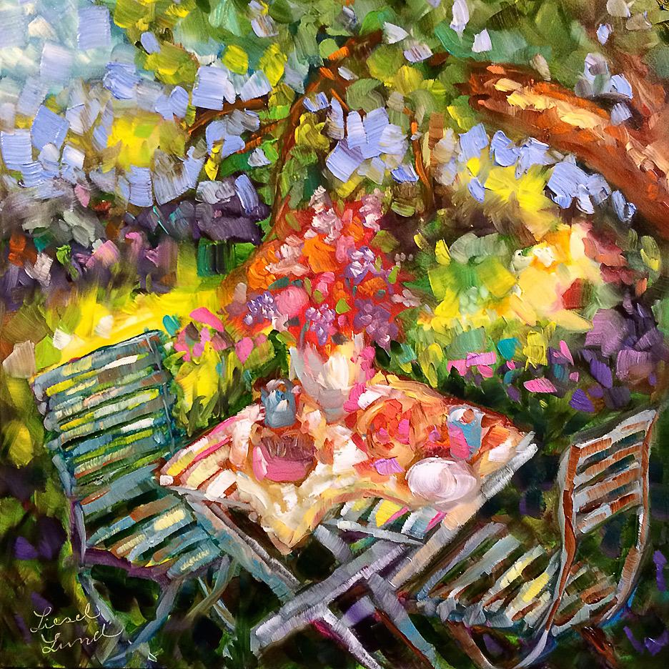 wooden-table-lavendar-picnic.jpg