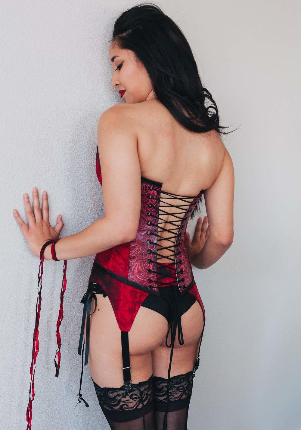 pin-up-corset.jpg