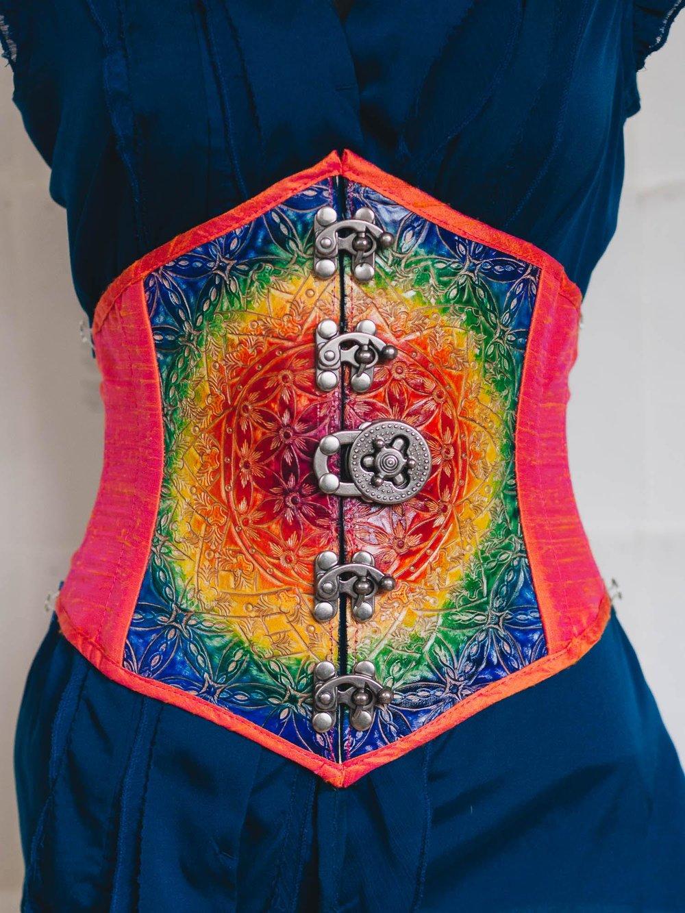 raindbow-waist-cincher-front.jpg