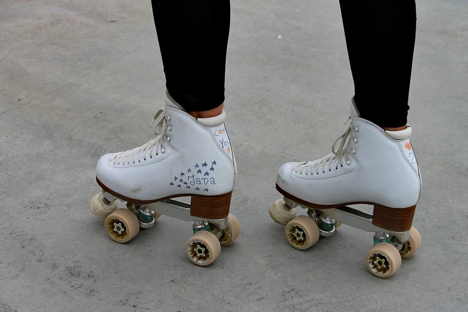 roller-skates-3391617_960_720.jpg