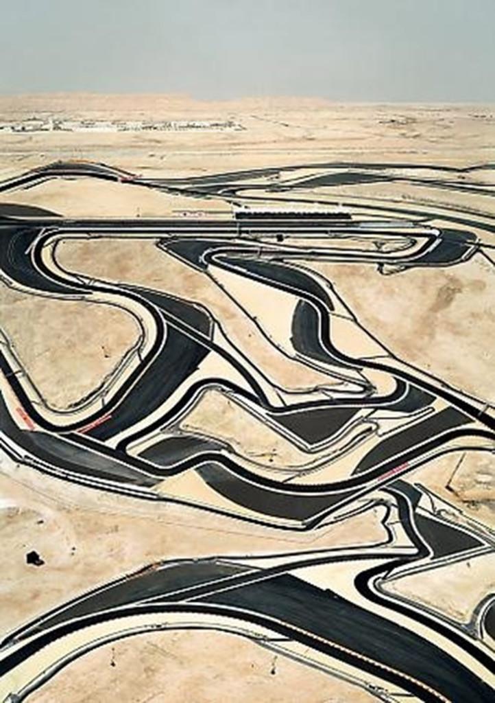 PATTERNITY_BAHRAIN-LAND-DECORATION_Andreas-Gursky.-722x1024.jpg