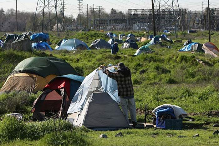 Sacramento's American River Encampment 2009