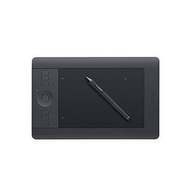 Wacom Intuos Pro Small - Jediná věc které lituji je ta, že jsem si pořídil malou verzi. Pro intuitivní zpracování fotek je k nezaplacení..The only regret I have is not purchasing a bigger version. To make post-processing more intuitive this tablet is priceless.