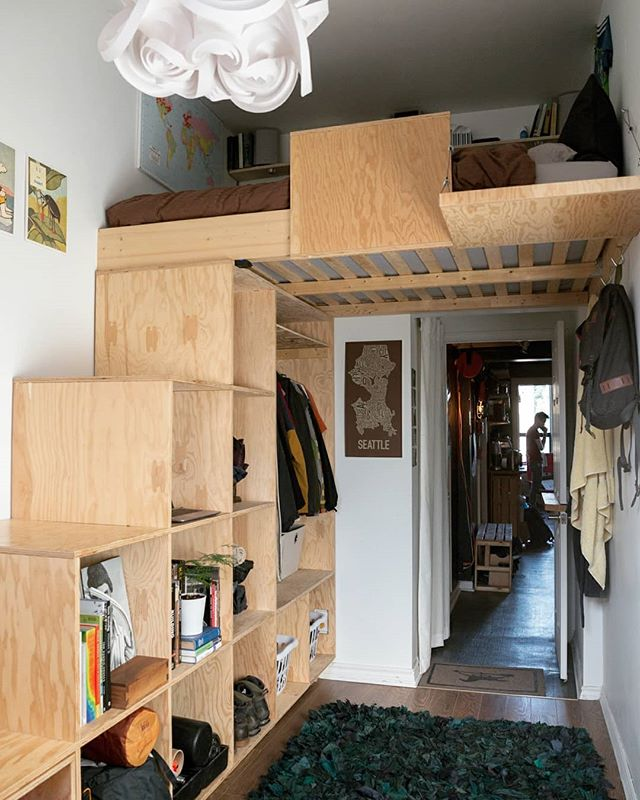 More photos from when Makeshift was a live/work studio! Check out what @jchusnider designed and built for his room. It's so interesting to look back and see how each of us came up with something so different for our personal living spaces. Julian's has open storage and clear ground space, for yoga and relaxation.  #TBT #studio #toronto #coworking #makerspace #woodshop #woodworking #igerstoronto #makersmovement #handmade #wemakeshift #creativeliving #livework #loftbed