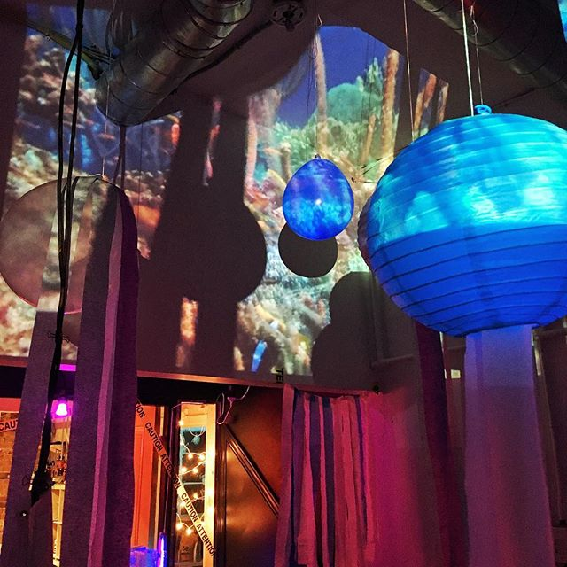 Party Set up! Happy 'Deep Sea' Halloween!! See you soon?  #party #happyhalloween #jellyfish #underwater #deepsea #themeparty #studio #collective #makerspace #makeshift #wemakeshift #superantistress