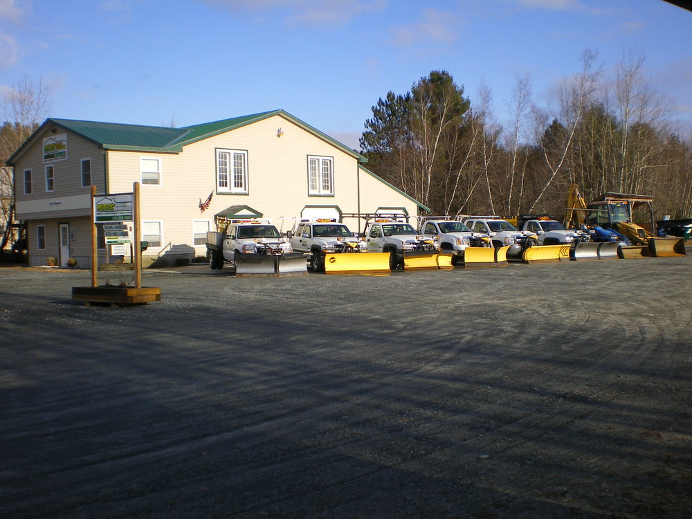2010 building trucks and plows 039.jpg
