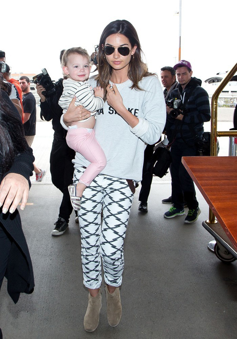 Lily+Aldridge+daughter+seen+LAX+nRyUnFQZGT6x