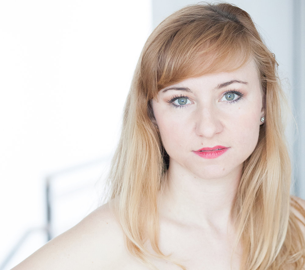 Alize Roznyai - Voice