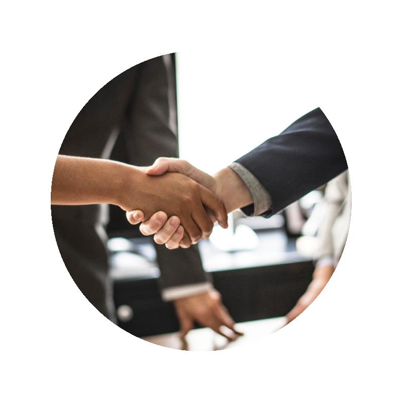 営業強化支援 - 3万人以上の営業教育に関わってきた実績に基づき、基本行動を体系化した「型の構築」や営業プロセスの見える化を進め、「実際に結果が出る」までの伴走を行っています。