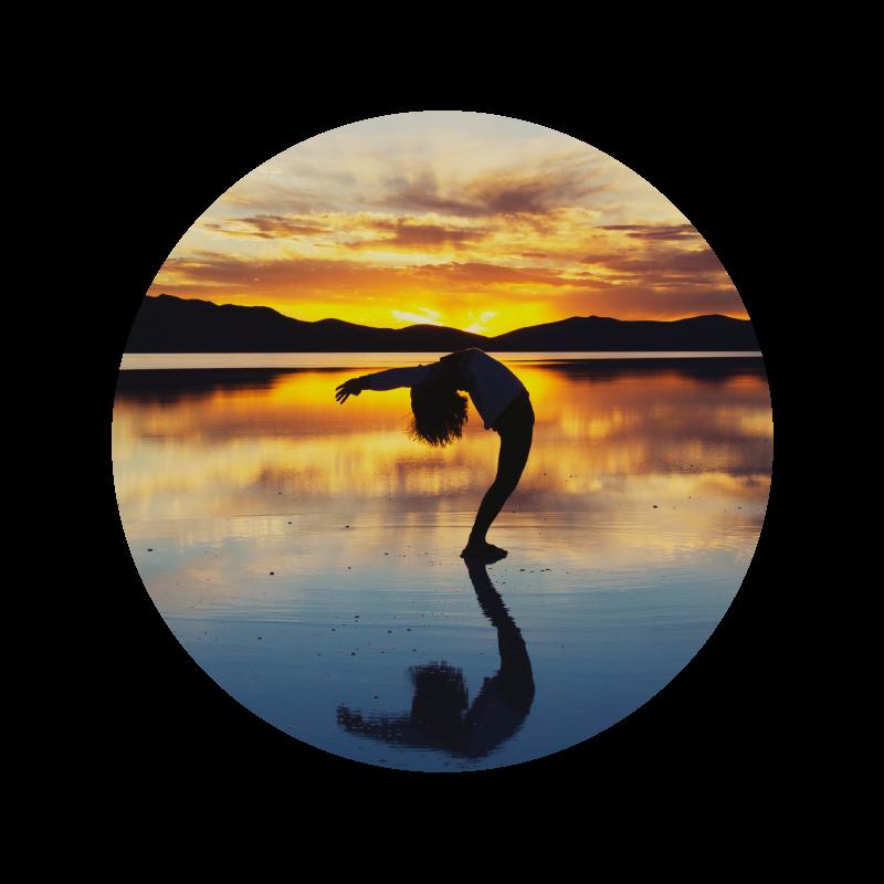 マインドフルネス - 「今、この瞬間の体験」へ意識を向ける瞑想などによって集中力を高め、心を整えられるようになるための支援を行います。