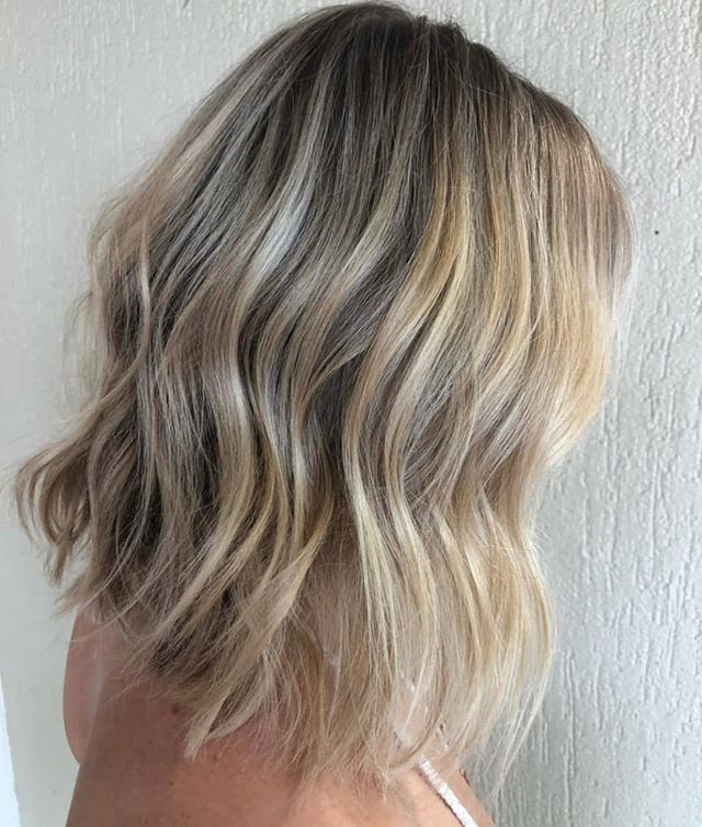The creamiest of Blondes 😍  Created by @haras____ for @harasandco using our @foilmefoils #hsupplyco #createhairmagic #foilmefoils