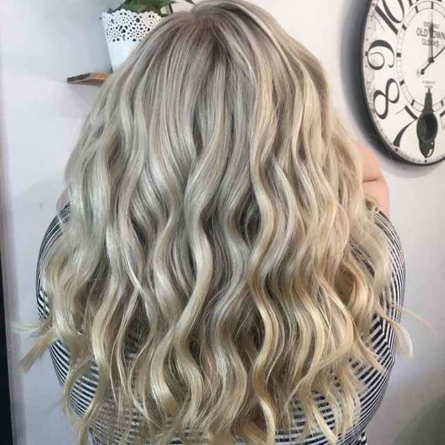 The magical @jessthairstylist creating the BLONDE BOMBSHELL using our @foilmefoils This girls skills 🙌  #hsupplyco #createhairmagic #foilmefoils
