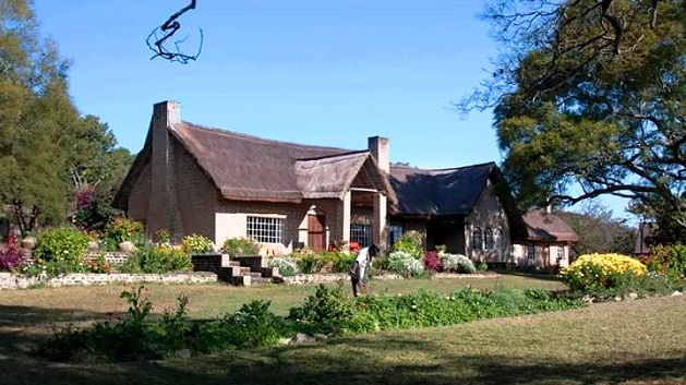 Kisolanza Farm - Main house.jpg