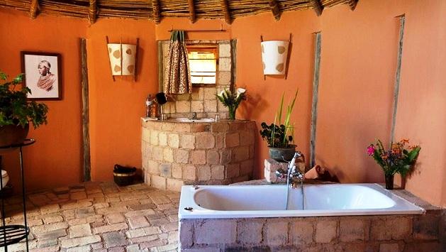 Kisolanza Farm - Bathroom.jpg