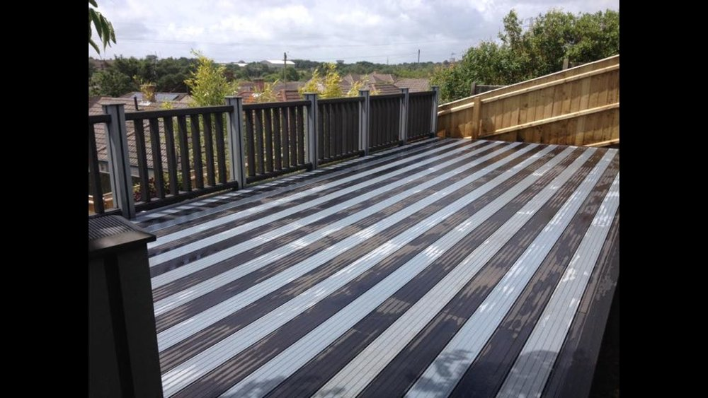 Contrasting Colours on our Composite Decking