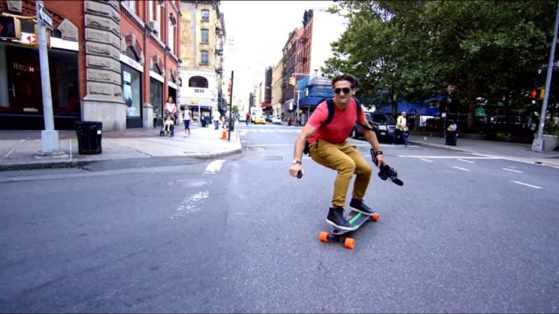 Casey Neistat Skating in NYC:  http://bit.ly/2DiYNfA