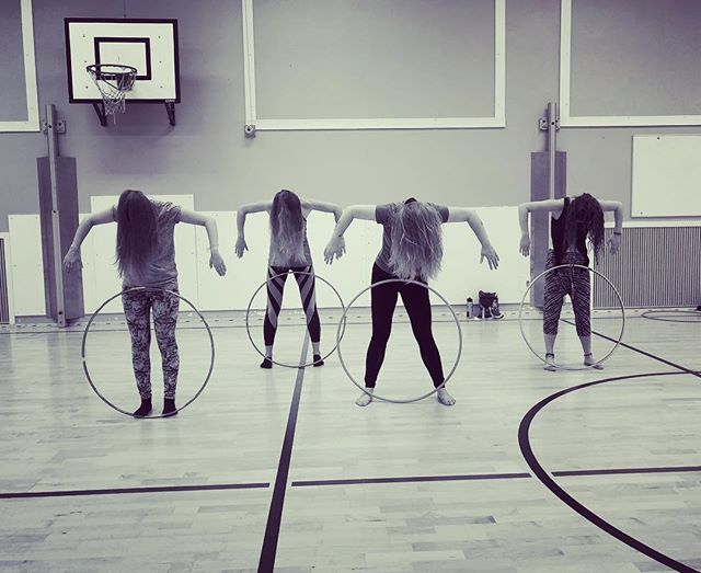 Hoop dancers from Finland contributed this photo towards the co-creative dance @hennamatanuska class in Tampere. Send yours at our website or email info@dancingcards.com. The final dance is filmed with our dancers in NYC and Connecticut at the end of this month. It will be spooky... dancers in the photo Hanna Airaksinen Aurora Pietiläinen Minna Leivo Tiia-Mari Hytti . #dancingcards #cocreation #cocreators #dancer #dancing #NYC #Tampere #tanssi #Finland #creativemovement #creativedance #hooping #dancevideo #danceart #dancersofinstagram #suomi #tanssivideo #hair #hoop #hulahoop #together #create #explore @hennamatanuska