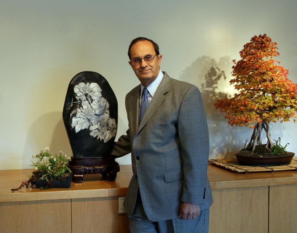 Dr. Thomas S. Elias