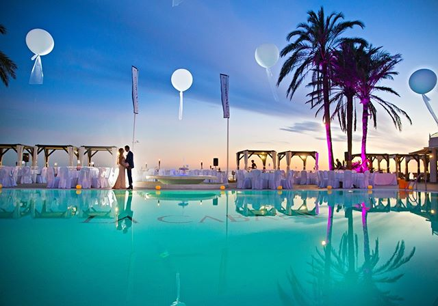 We know that you always imagined a special and unique place to make your wedding absolutely unforgettable ... Imagine this and read all about it in the last issue!! https://www.monteros.com/eventos/bodas/ . . . . . #beachwedding #perfectwedding #weddinglocation #weddingvenue #destinationwedding #marbellawedding #marbella #marbellabeach #shesaidyes